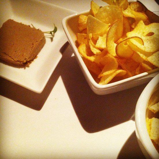 foie gras e chips de mandioca